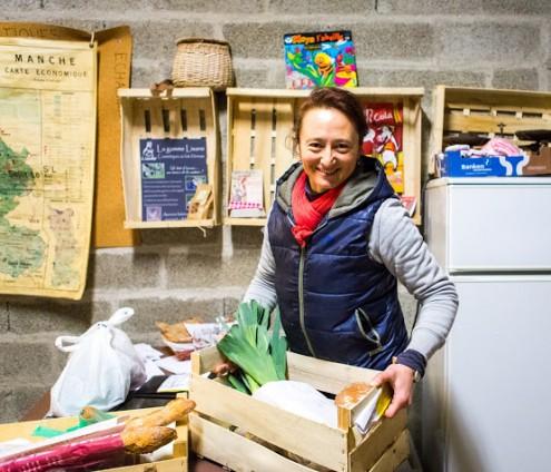 Marielle, responsable de la Ruche d'Agon Coutainville dans la Manche. © Thomas Louapre - La Ruche qui dit Oui (2013)